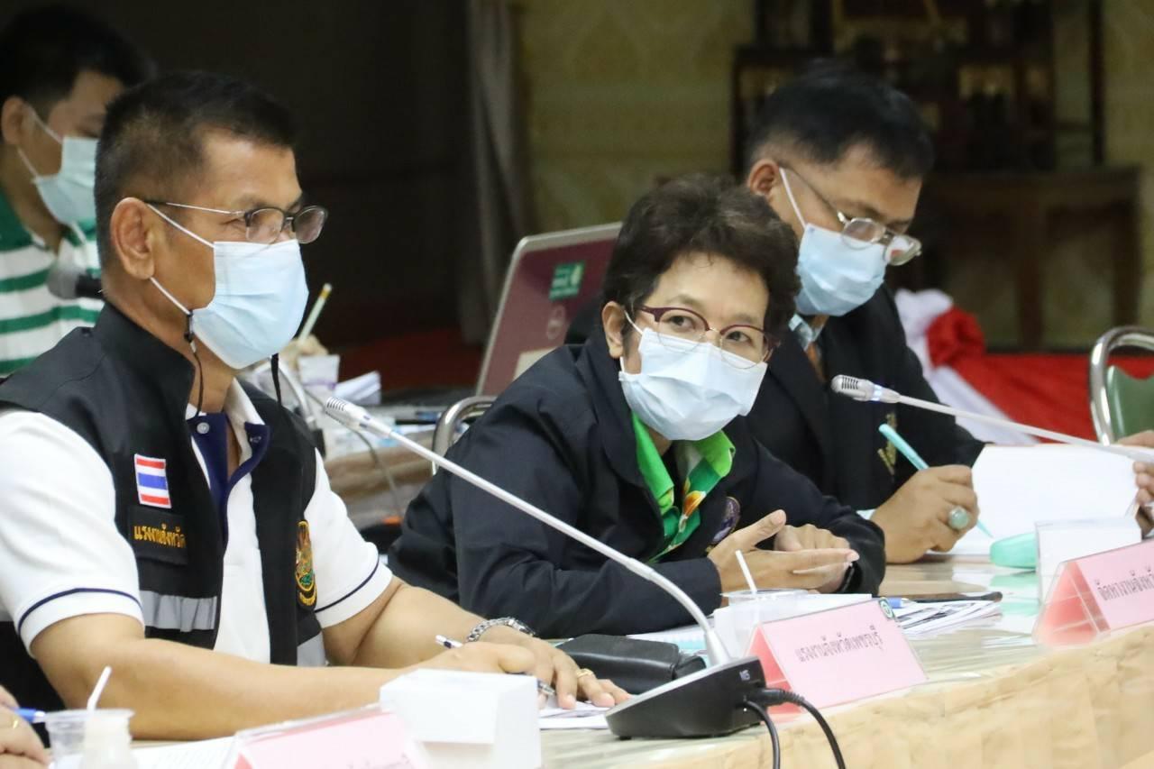 แรงงานจังหวัดเพชรบุรี เข้าร่วมการประชุมคณะกรรมการโรคติดต่อจังหวัดเพชรบุรี
